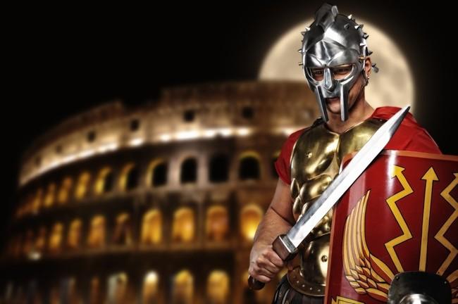 Legionista rzymski przed koloseum
