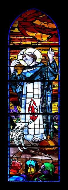 Witraż przedstawiający Świetego Franciszka i wilka z Gubbio