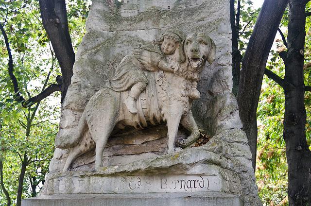 Pomnik sławnego bernardyna Barrego