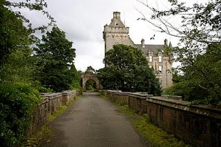 zdjęcie mostu psów samobójców w Szkocji