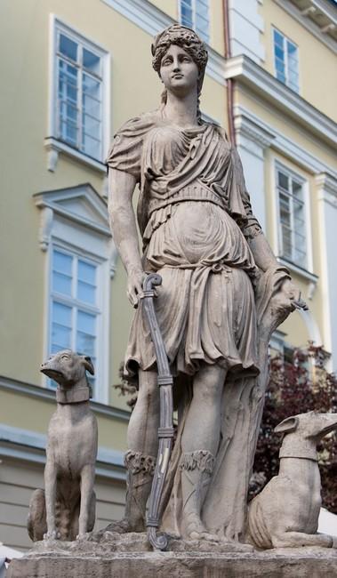 Rzymska bogini łowów Diana z psami