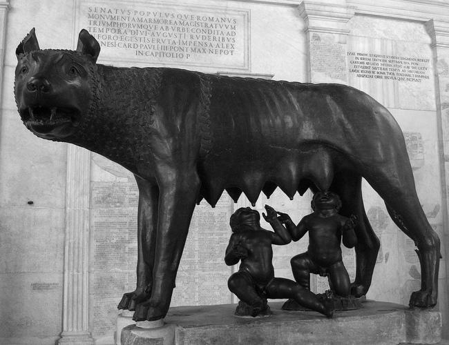 wilk w kulturze - Rzebźna Wilczycy kapitolińskiej
