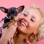 Piękna kobieta i pies